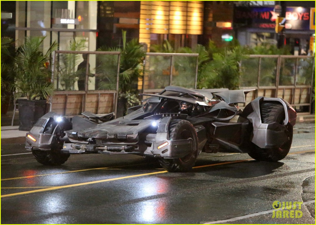 137751, The Batmobile made its first appearance on the set of Suicide Squad ripping down Yonge Street in Toronto. Toronto, Canada - Monday May 25, 2015. CANADA OUT Photograph: © PacificCoastNews. Los Angeles Office: +1 310.822.0419 sales@pacificcoastnews.com FEE MUST BE AGREED PRIOR TO USAGE