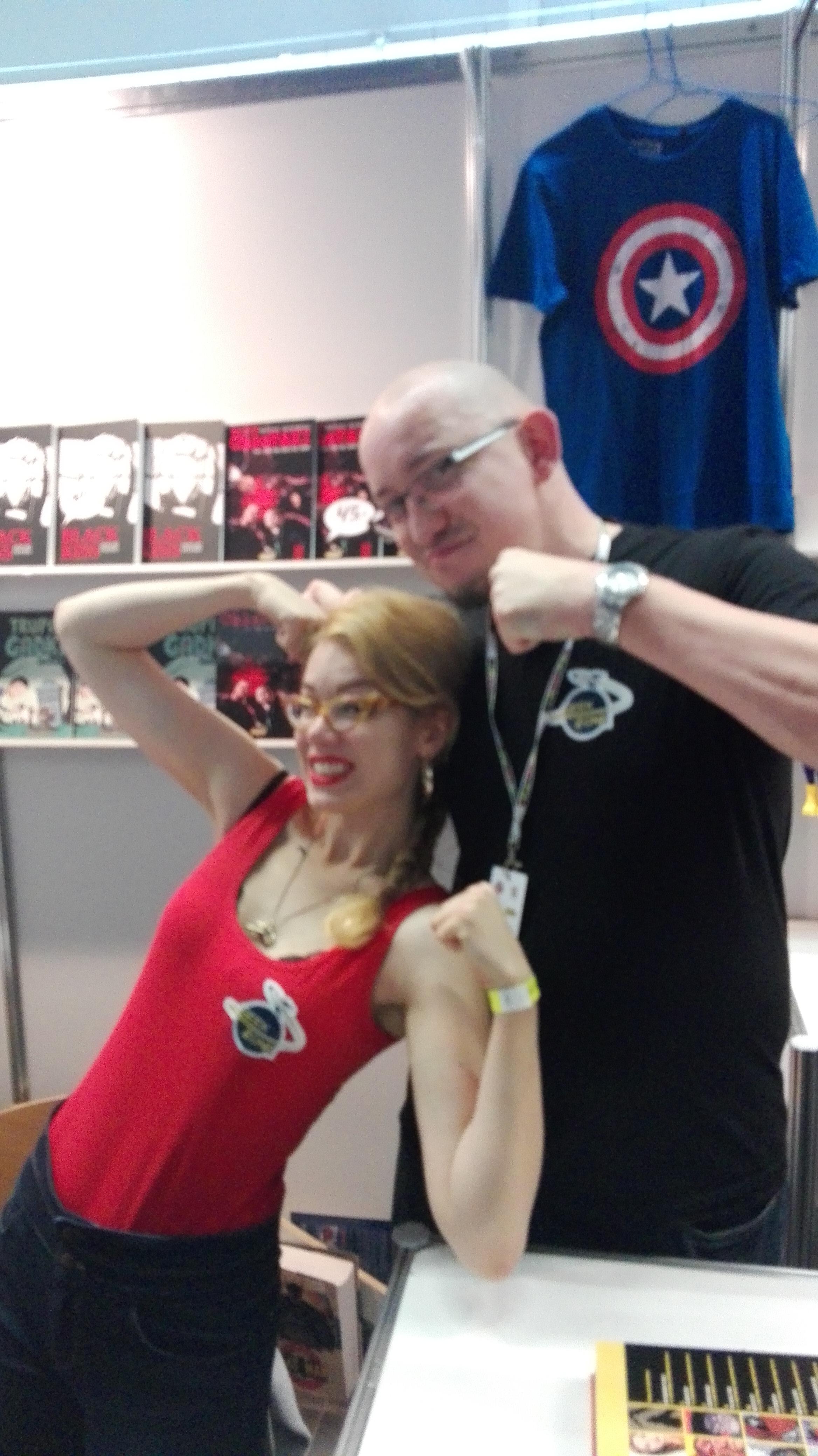 Karol i Maria - najbardziej pozytywni sprzedawcy na MFKiG 2016 - stoisko Geek Zone